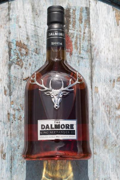 1709_Dalmore_btl_against_barrel_@thedalmore
