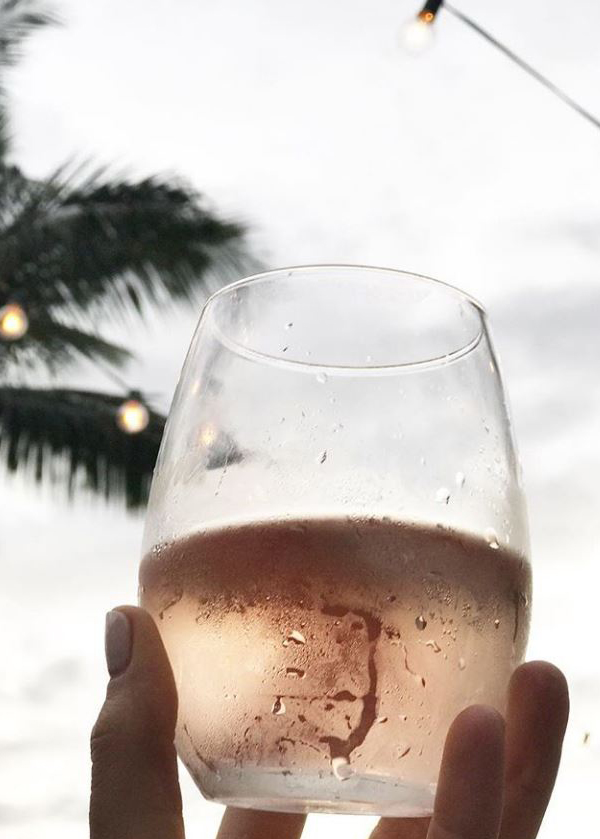 Couer Clementine_frosted glass of rose_@clementine_provence