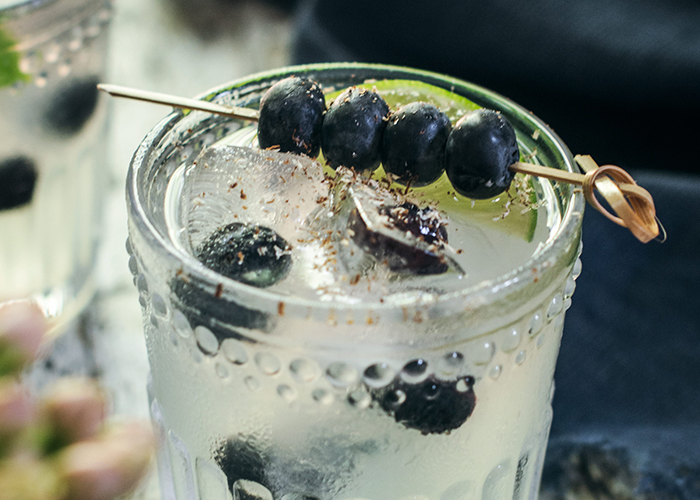 Huckleberry-Images_CLEAR-COCKTAIL_700x500